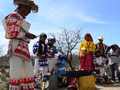 huicholes-ceremoniales